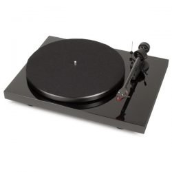 Pro-Ject Debut Carbon 2M-RED
